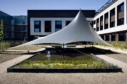 Carbon-Hotel-exterior